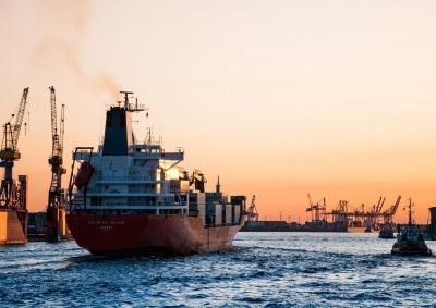 海運業界でキャリアアップ:今後の動向と求人例~業界別紹介#1~